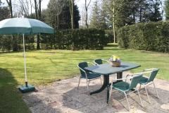 Aantrekkelijk terras bij de bungalow
